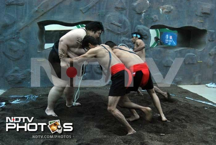 Sumo wrestler Yama enjoys his visit to the Bigg Boss house