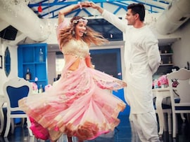 Inside Bipasha Basu and Karan Singh Grover's <i>Mehendi</i> Ceremony