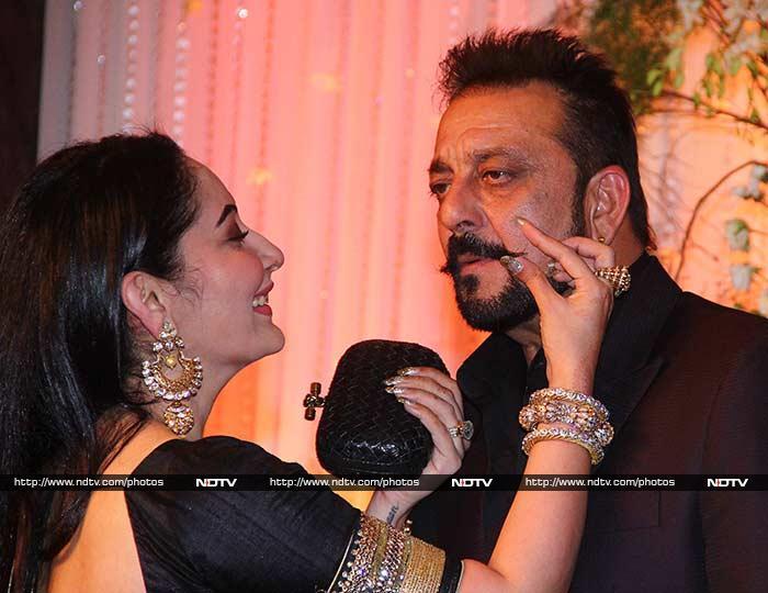 Abhishek Aishwarya SRK Salman Attend Bipasha Karans Wedding