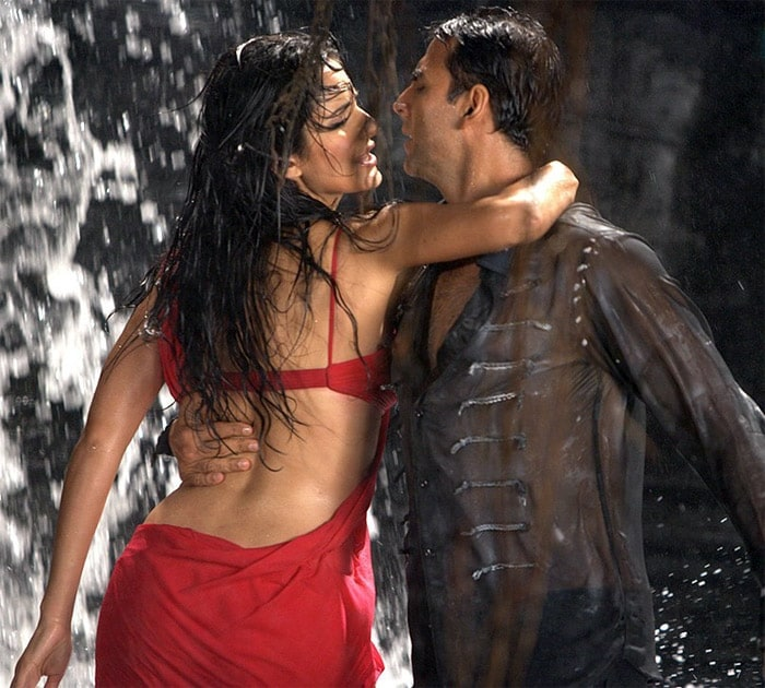 20 Sizzling Bollywood rain songs