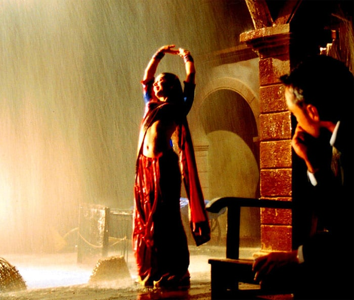 8 Sizzling Bollywood rain songs