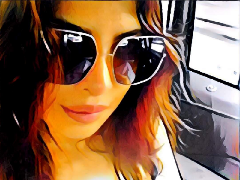 Bollywood Heroines and Their Latest Prisma Obsession