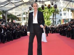 Photo : Cannes 2016: Charlize Theron Suited up in Style