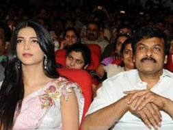 Photo : Chiranjeevi, Pawan Kalyan, Shruti at Gabbar Singh audio launch