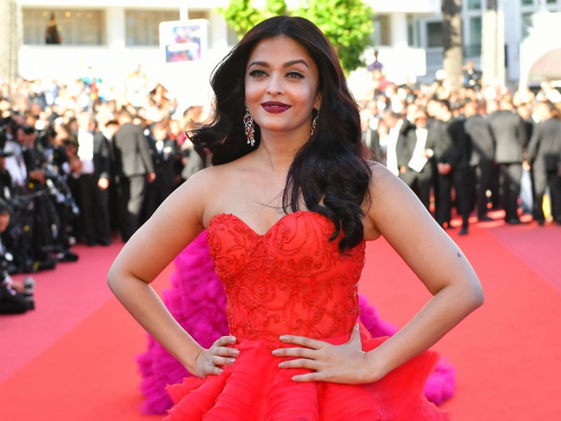 Wait. Stop. Aishwarya On Cannes Red Carpet