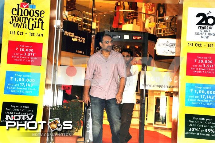 Rare pic: Aditya Chopra's solo movie date