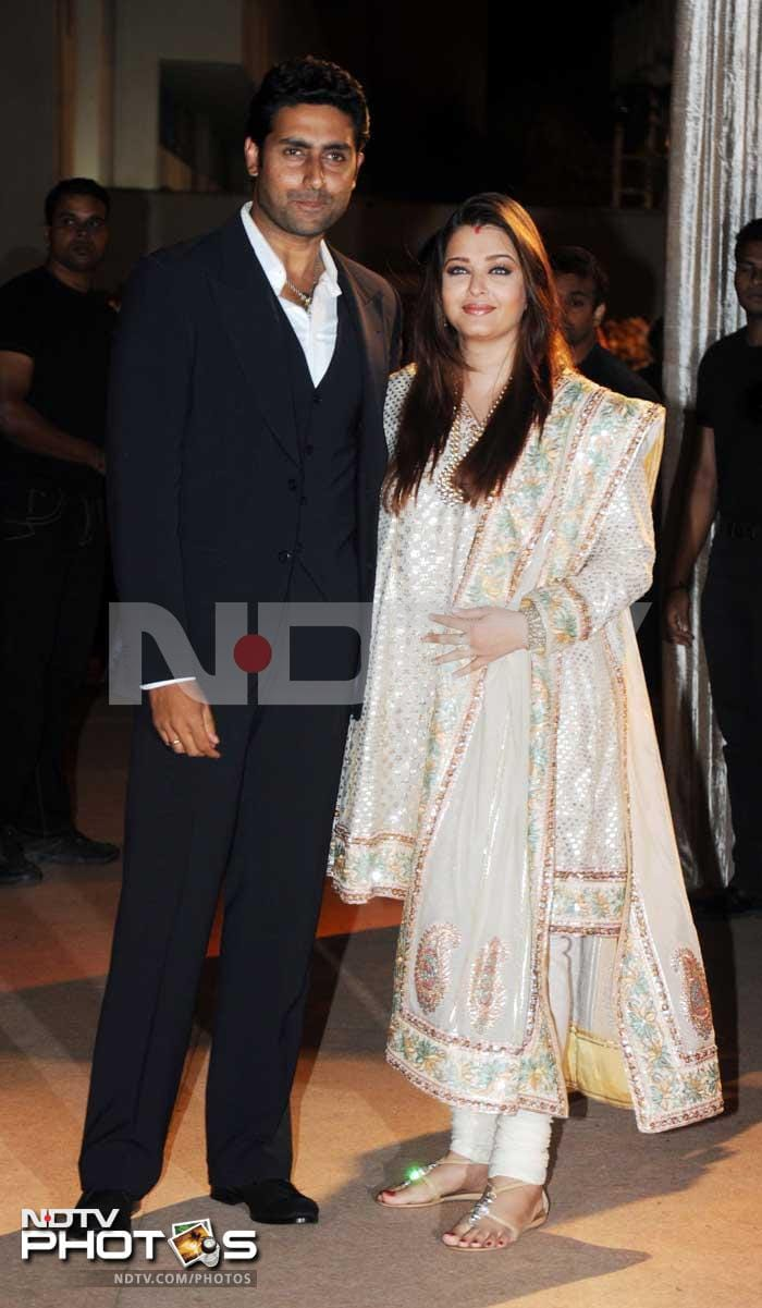 Aishwarya, big guests at Deshmukh reception