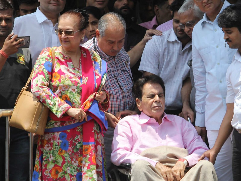 Dilip Kumar Leaves Hospital With Saira Banu by His Side