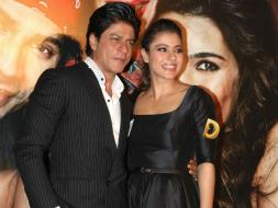 Photo : SRK Hearts Kajol at Launch of Dilwale Trailer