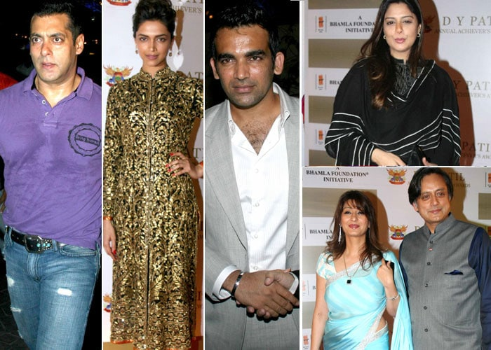 Stars sizzle at DY Patil Annual Achiever's Awards 2011