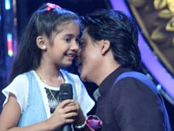 Photo : SRK's Chennai whispers with a little fan