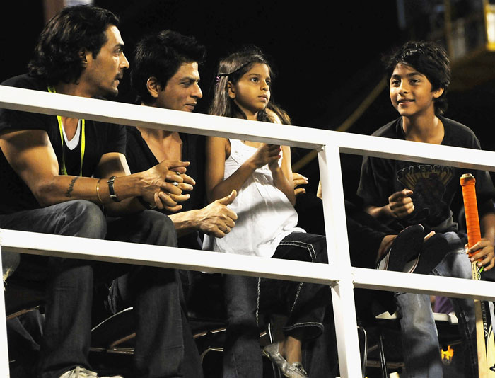 SRK and family @ IPL