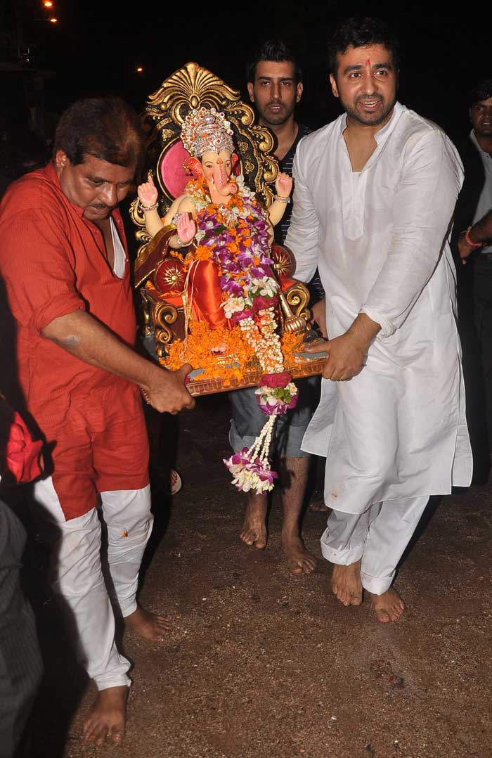 Shilpa Shetty celebrates Ganesh Chaturthi with family