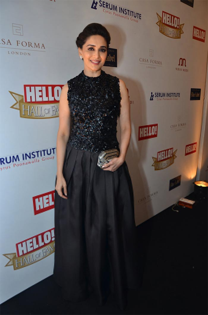 http://drop.ndtv.com/albums/ENTERTAINMENT/hello-awards2012/madhuri.jpg