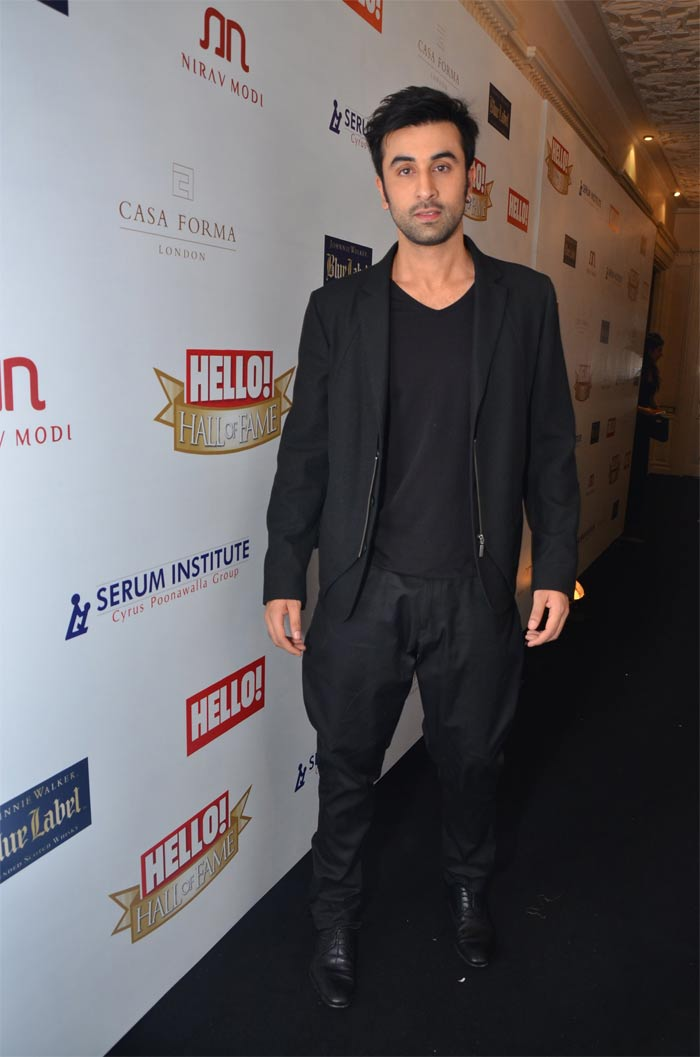 http://drop.ndtv.com/albums/ENTERTAINMENT/hello-awards2012/ranbir.jpg