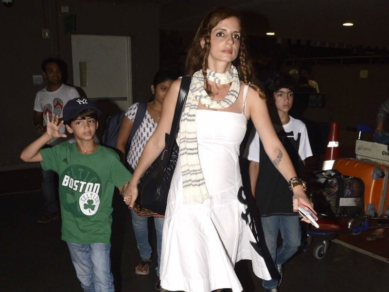 Jet Set Go: Sussanne Khan at the Airport With Hrehaan and Hridhaan