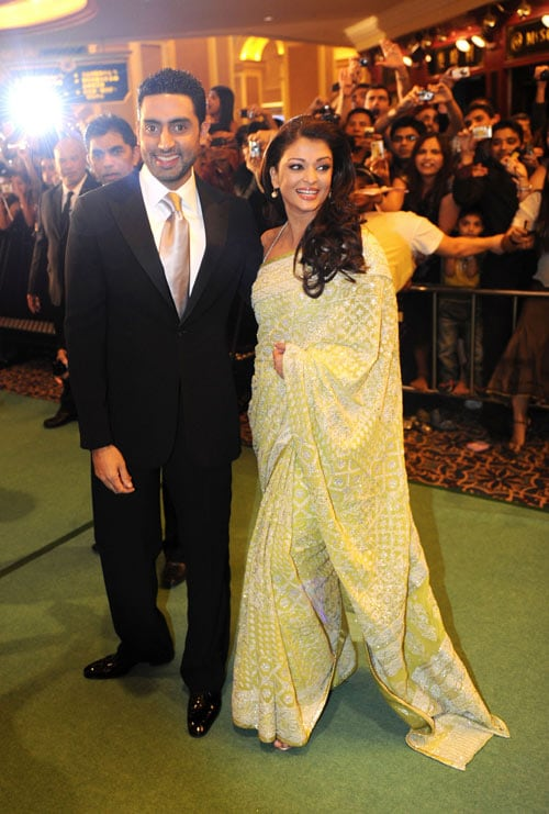 Ash, Abhi walk the IIFA green carpet