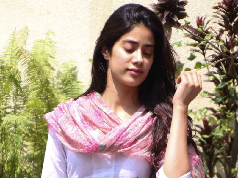 Jhanvi Kapoor Will Steal Your Heart In Just 4 Seconds