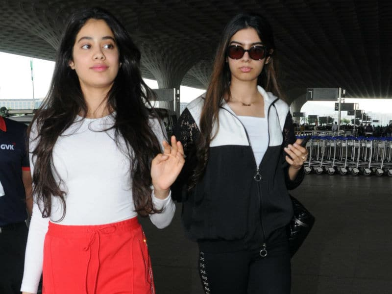 Jhanvi And Khushi Make The Airport A Pretty Place