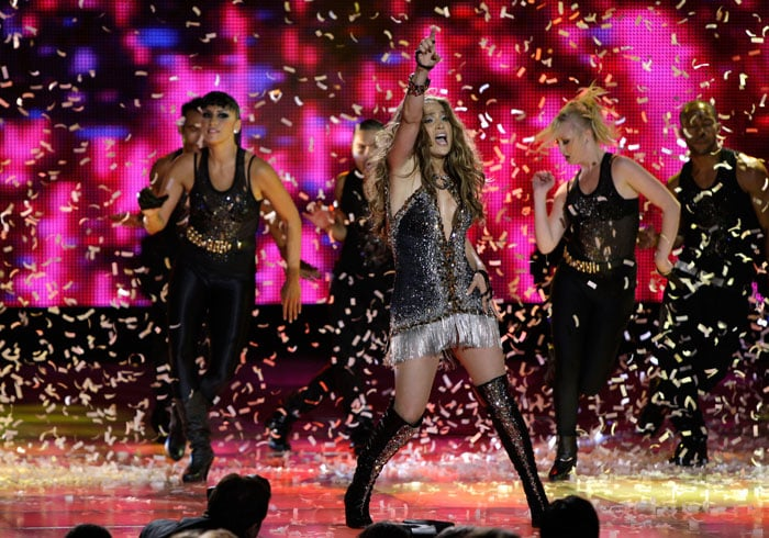 JLo performs at World Music Awards