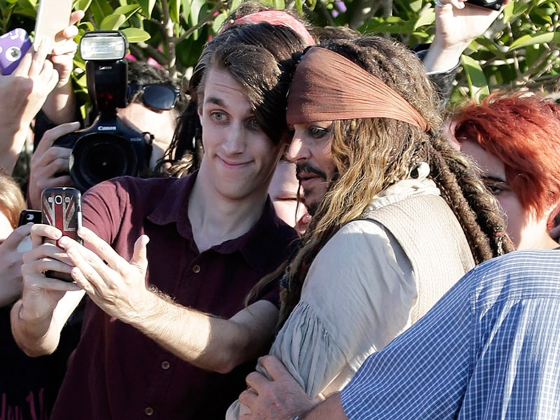 This Pirate's Got Swag: Captain Jack Sparrow's Selfie-Day Out With Fans