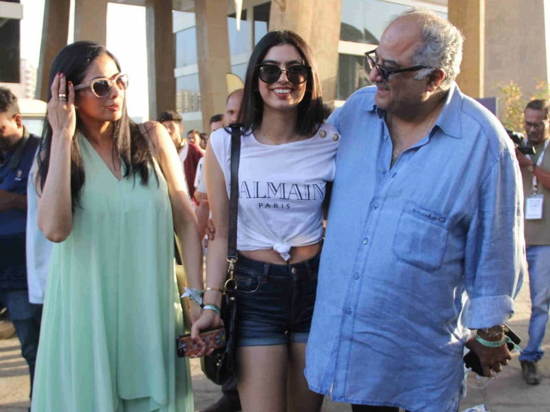 Sridevi, Khushi, Alia And Others Spotted At Justin Bieber Concert