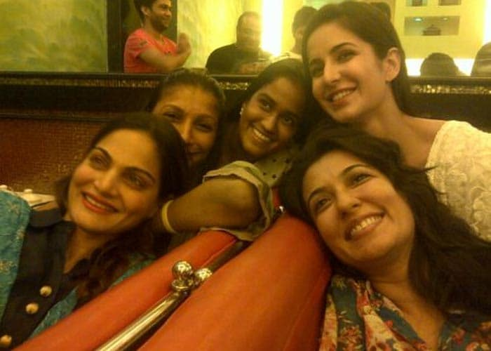 Katrina parties with Salman's sisters