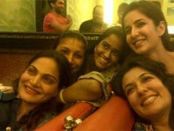 Photo : Katrina parties with Salman's sisters