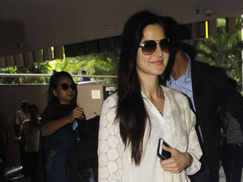 Katrina Kaif And Her New BFF, Kala Chashma, Spotted At The Airport