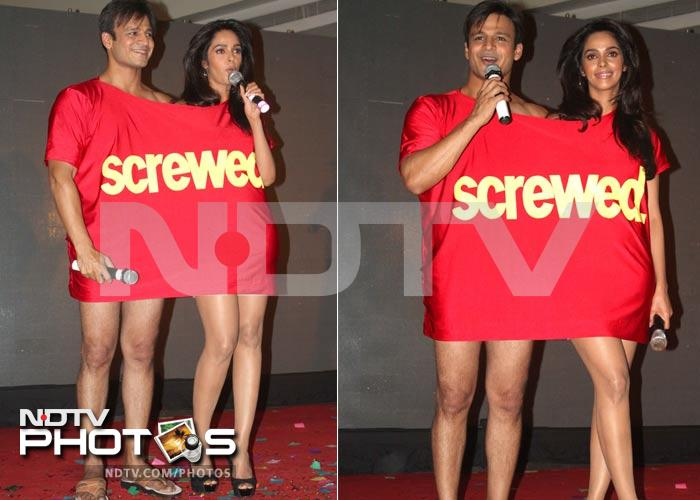 Vivek, Mallika's single shirt shocker