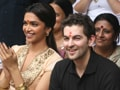 Photo : Lafangeys Deepika, Neil visit Tilakwadi