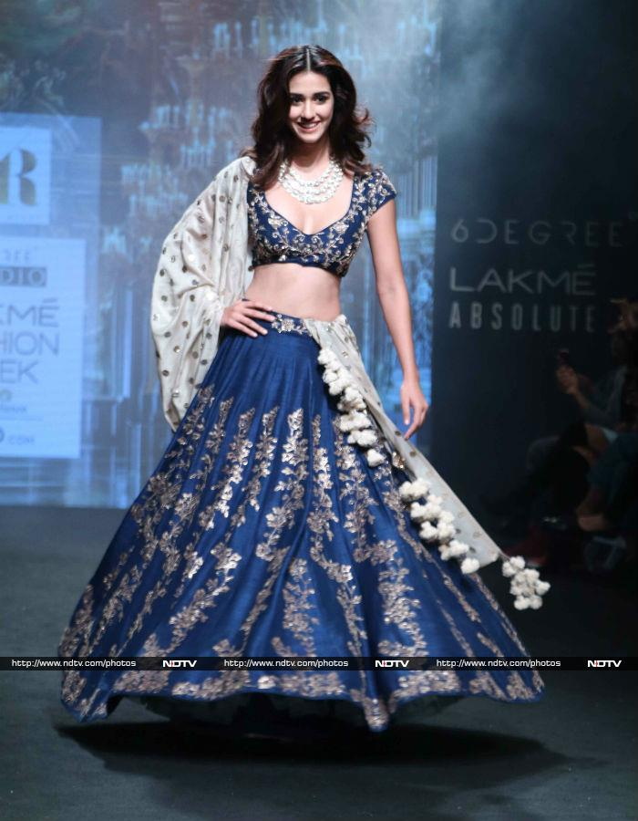 Lakme fashion week sushmita malaika padma lakshmi take for When is fashion week over