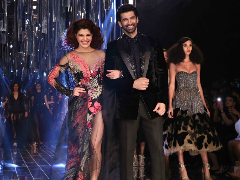 Lakme Fashion Week: Jacqueline Fernandez Stopped Traffic In Black