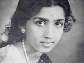 Happy Birthday Lata Mangeshkar. <I>Naino Mein Sapna</i> @87