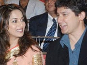 Photo : Madhuri tweets about her wedding anniversary