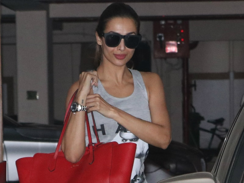 Malaika, Shahid Beat Monday Blues With Friends And Family