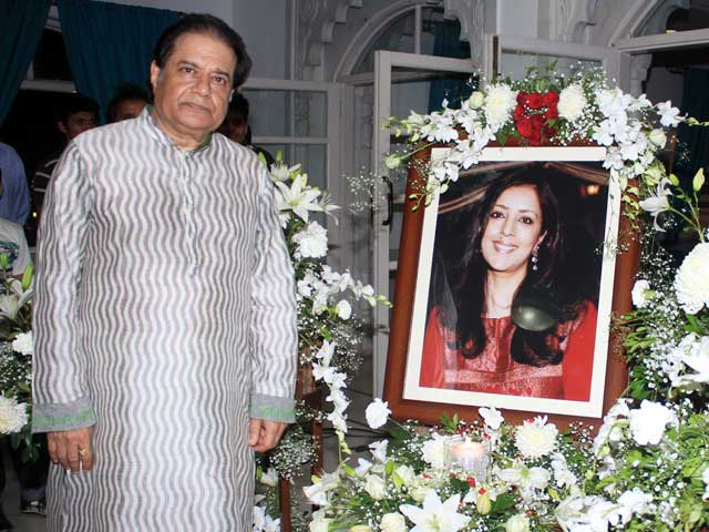 Celebs Attend Anup Jalota's Wife Medha's Prayer Meet