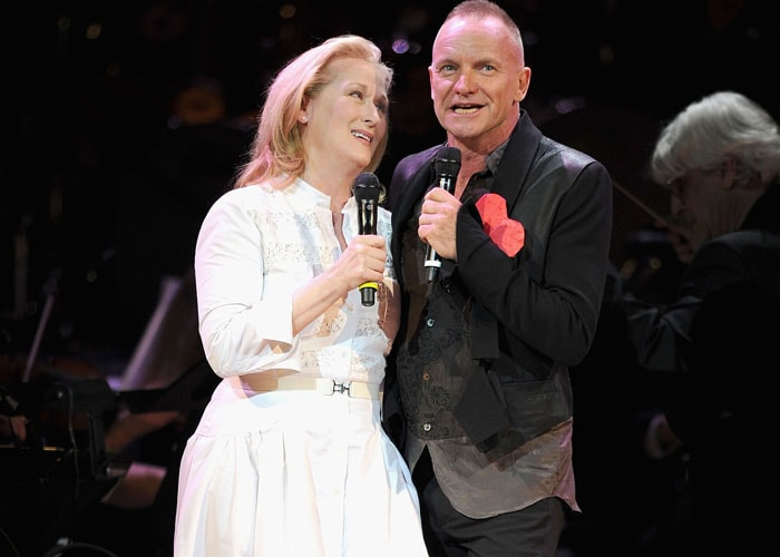 Meryl Streep sings with Sting in concert