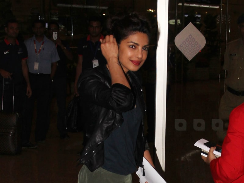Priyanka's Never Ending Affair With the Airport