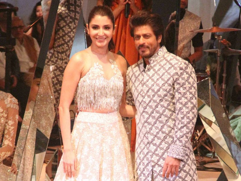 Mijwan: SRK And Anushka Walk The Ramp For Manish Malhotra