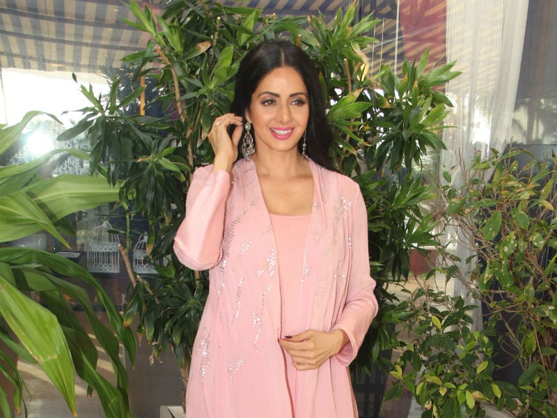 Sridevi Catches Up With MOM Co-Stars Nawazuddin, Akshaye