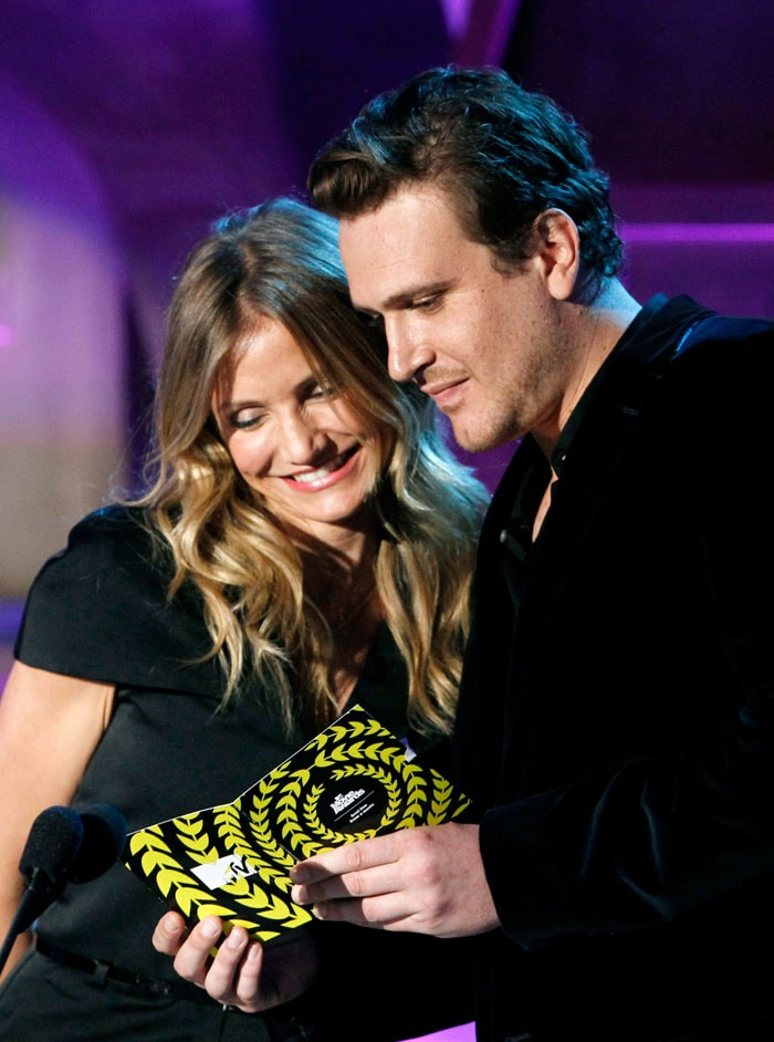 Presenters At MTV Movie Awards 2011