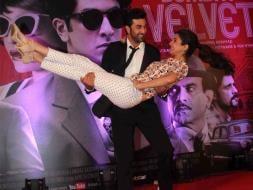 Photo : Ranbir Sweeps Anushka Off Her Feet, Smooth as Velvet
