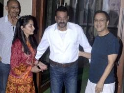 Photo : Munna Bhai Comes Home to Warm Welcome from Bollywood