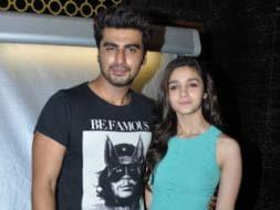 Photo : Sharing some love: Alia, Arjun meet fans