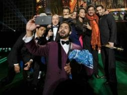 Photo : How many stars can Shahid fit into one selfie?