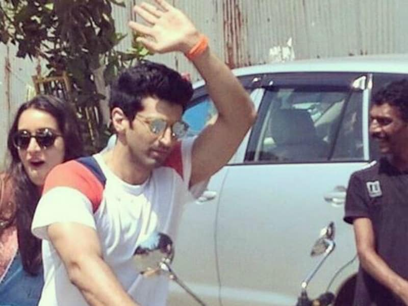 Fun on Sets: Shraddha, Aditya Shoot For OK Jaanu