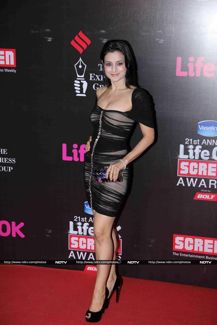http://drop.ndtv.com/albums/ENTERTAINMENT/pc-screen2015/ameesha-patel_153115_003135_9331.jpg