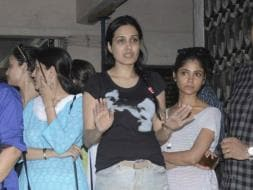 Photo : Kamya Punjabi, Ratan Rajput at Pratyusha Banerjee's Funeral
