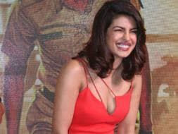 Photo : Priyanka Chopra Paints the Town Red
